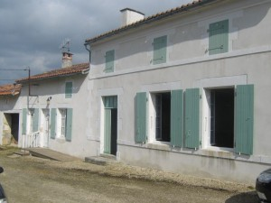 village property for sale in Matha Charente