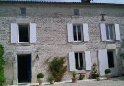 4 bedroom family home for sale in Charente