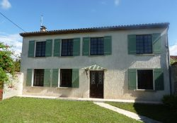 3 bedroom house in Charente