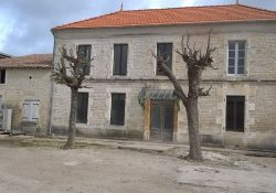 Habitable Charente village house